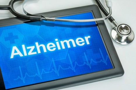 Tablet mit der Diagnose Alzheimer auf dem Display