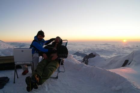 Echocardiographie réalisée au sommet du Mont Blanc lors d'une précédente expédition © Samuel Verges